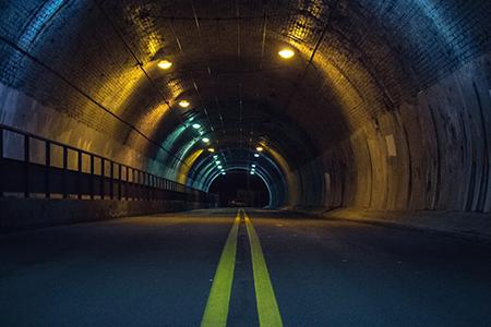 トンネルが多い場所は通信できない